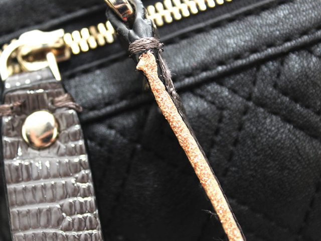 Guess - Gold Strap